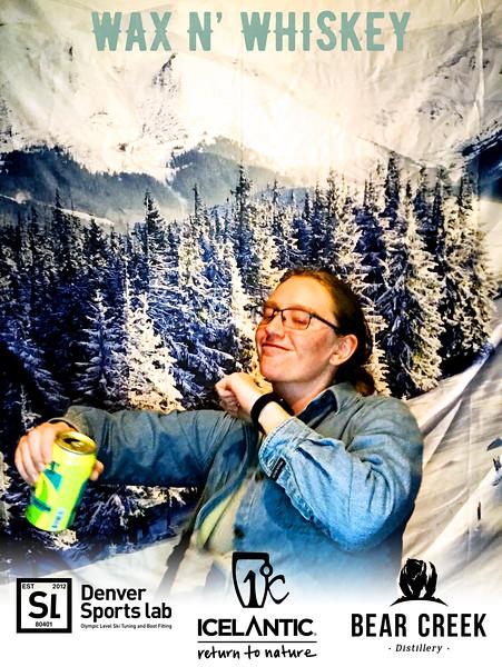 Wax_N_Whiskey_at_IcelanticSkis119.jpg