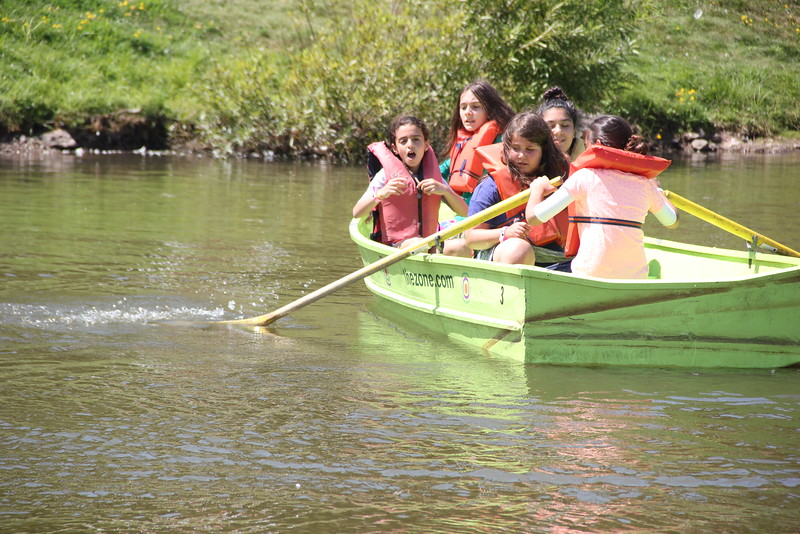 kars4kids_thezone_camp_girlsDivsion_activities_boating (24).JPG