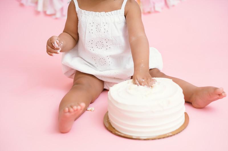 Jaylin-cake-smash (34 of 54).jpg