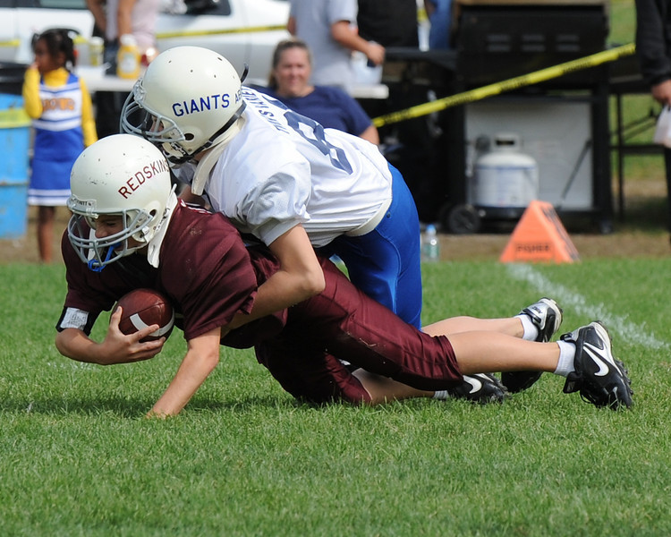 Senior Giants crush senior Redskins in Fly Football game on September 19, 2010