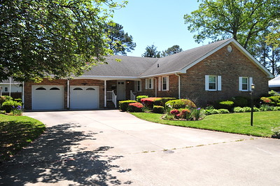 9380 Pine Tree Lane , Norfolk