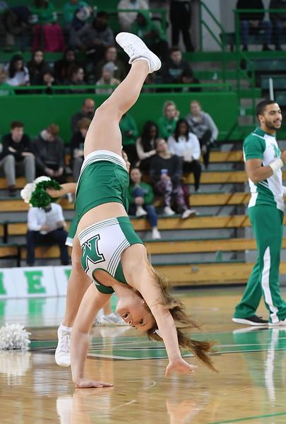 cheerleaders3283.jpg