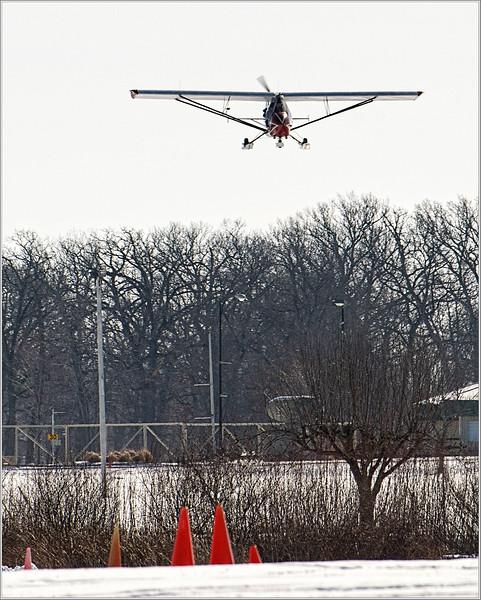 180210_0974 HiRez CURNS JIM CHALLENGER CH2 approaching the field.jpg