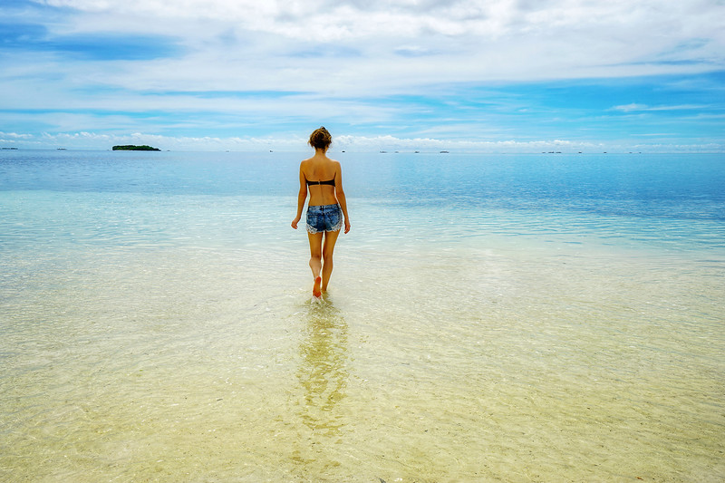An endless turquoise sea. Pontod reef flat off the coast of Bohol, Philippines.