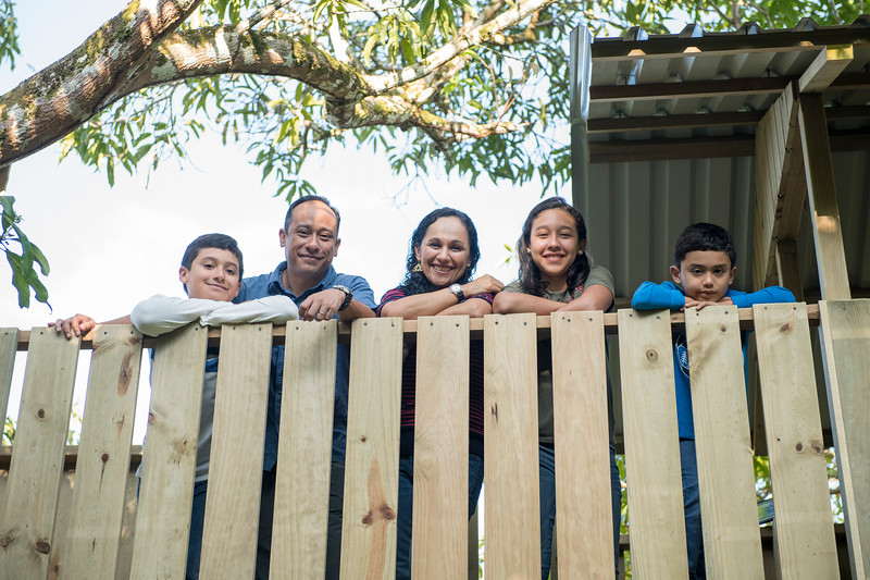 Fam Vasquez casa arbol-11.jpg