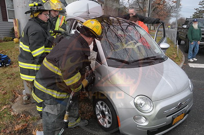 Amityville F.D. MVA w/ Entrapment  Bayview Ave. and Dixon Ave. 12/28/14