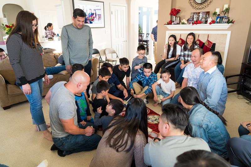 20191221_christmas-pary-ho-family_025.jpg