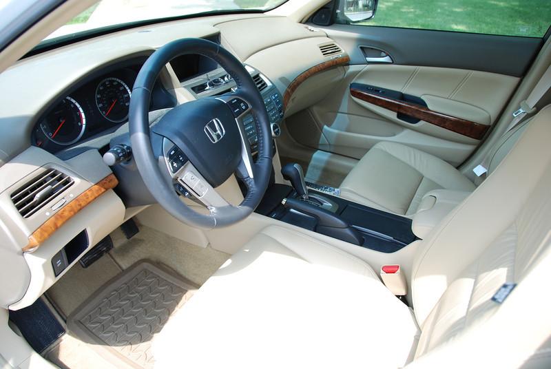 2008 Honda Accord V6 8.jpg