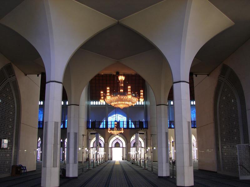 Sultan Salahuddin Abdul Aziz Mosque, known as The Blue Mosque in Shah Alam Malaysia (22).JPG
