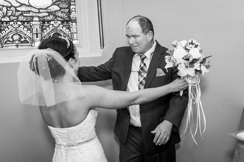 Jennie & EJ Wedding_00159-BW.jpg