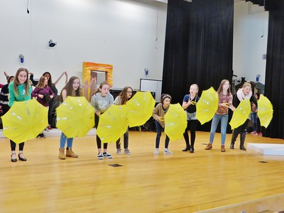 Monument Valley rehearses 'Beauty and the Beast Jr.'