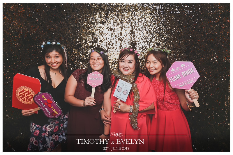 Wedding of Timothy & Evelyn | © www.SRSLYPhotobooth.sg