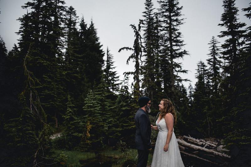 Travel Adventure Wedding Photographer - Mt Rainier - Rose-17.jpg