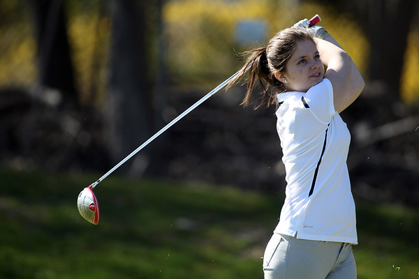 Varsity Vikings Girls Golf April 2018