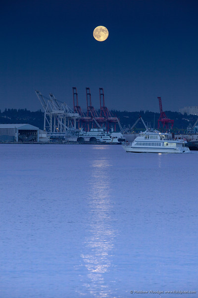 Woodget-130722-107--moon, moonlight - scenery, Peuget Sound, Seattle.jpg