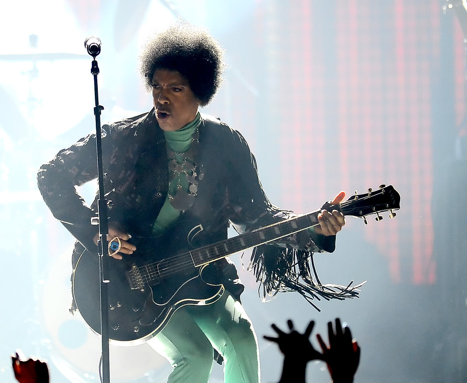 . Musician Prince performs onstage during the 2013 Billboard Music Awards at the MGM Grand Garden Arena on May 19, 2013 in Las Vegas, Nevada.  (Photo by Ethan Miller/Getty Images)