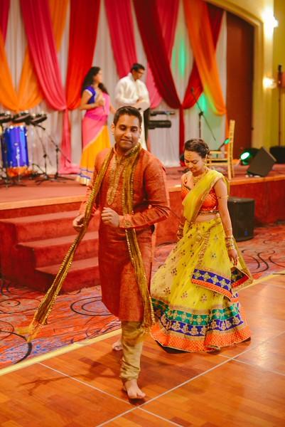 Charmi & Abhi Garba (143 of 578).jpg