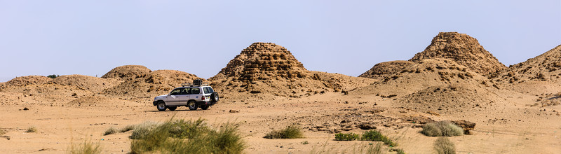 Nu 19 Nasakhma (Mitte), Nu 12 Amanineteyerike (dahinter), Nu 11 Malowijebamani (rechts hinten), Nuri, Sudan
