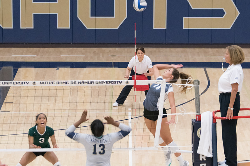 HPU Volleyball-92299.jpg
