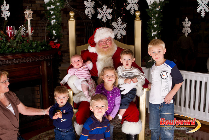Santa Dec 15-193.jpg