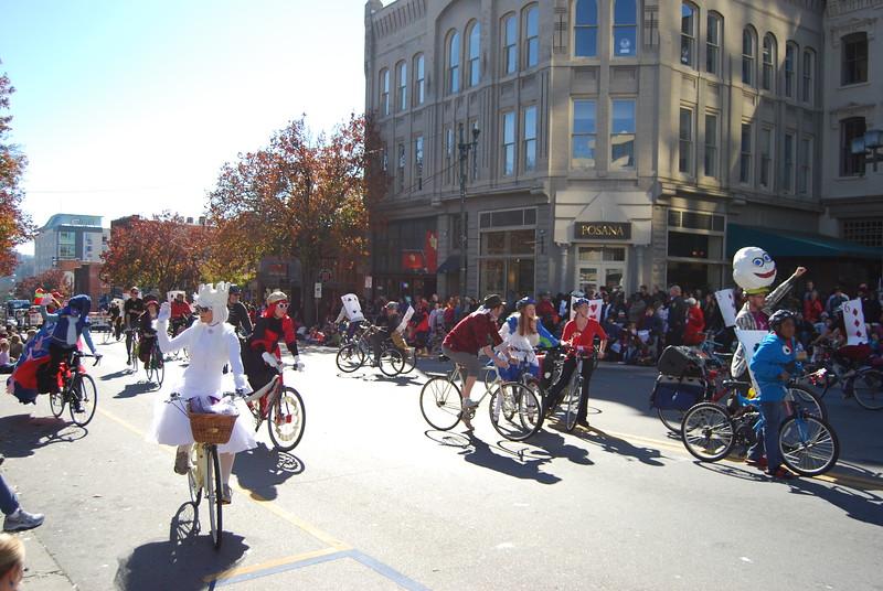 Parade 1172.jpg