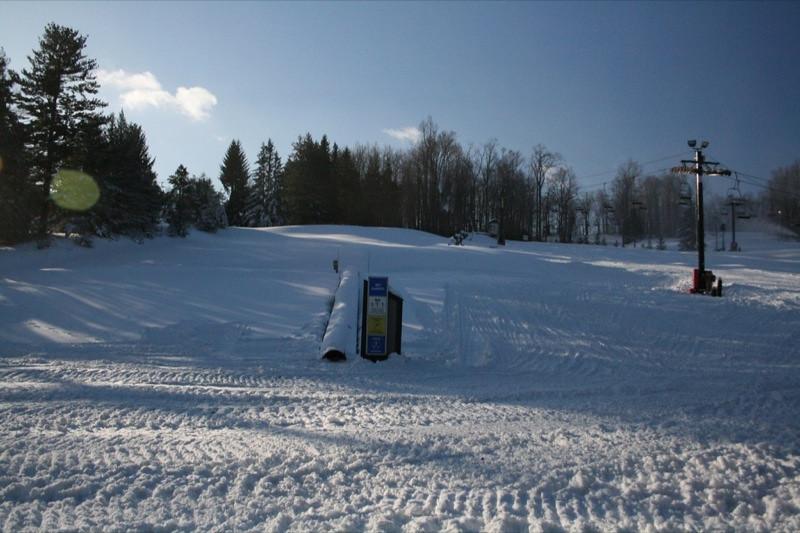 SnowTrailsOpeningDay12_11_09_007.jpg