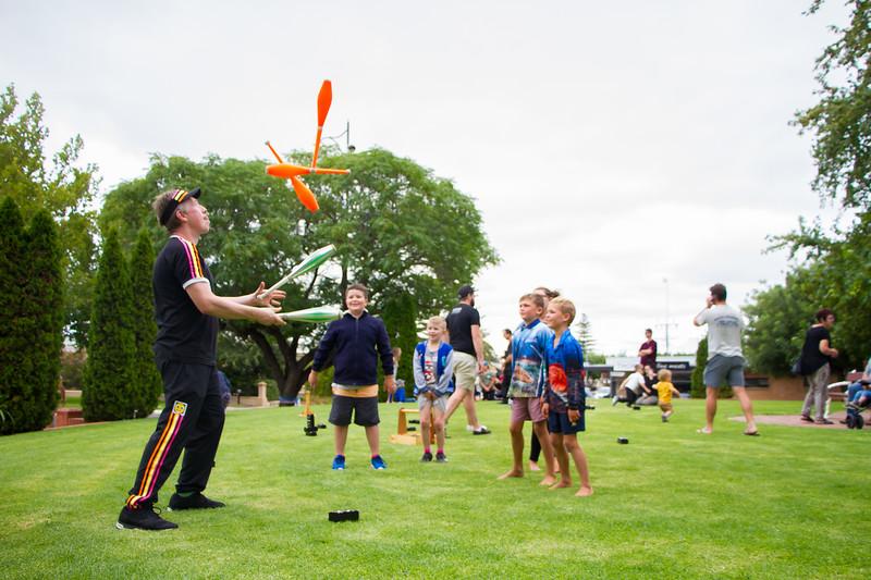 BarossaFringe-LaunchParty-CreditNathanielMason-R-6749.jpg