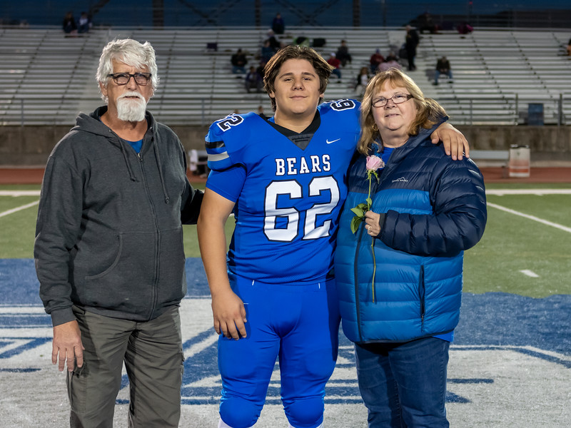 LV2019_SeniorNight-30.jpg