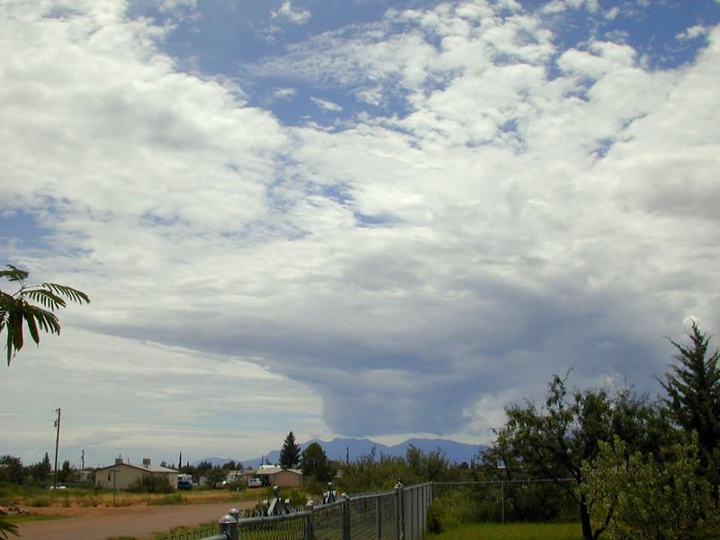 strange-cloud03.jpg