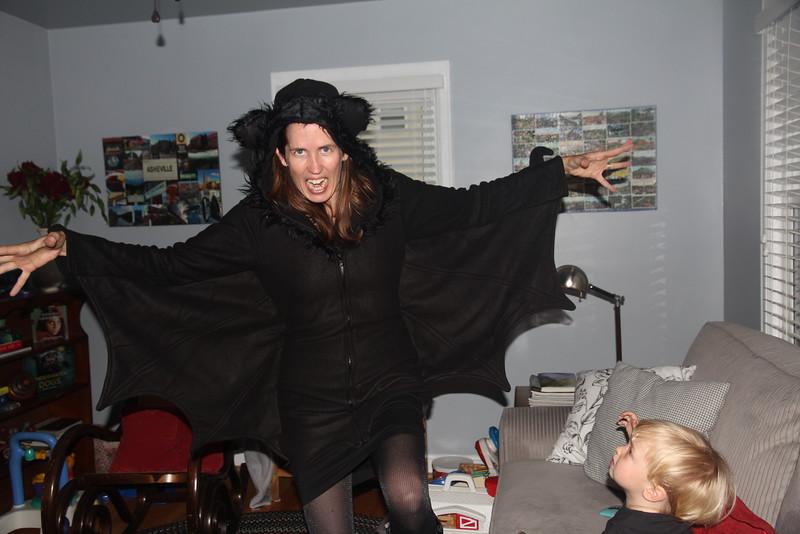 Elliot's mommy goes batty