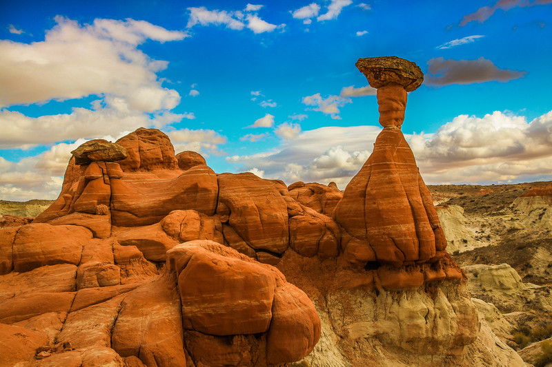 Toadstool Hoodoos of the Paria Rimrock