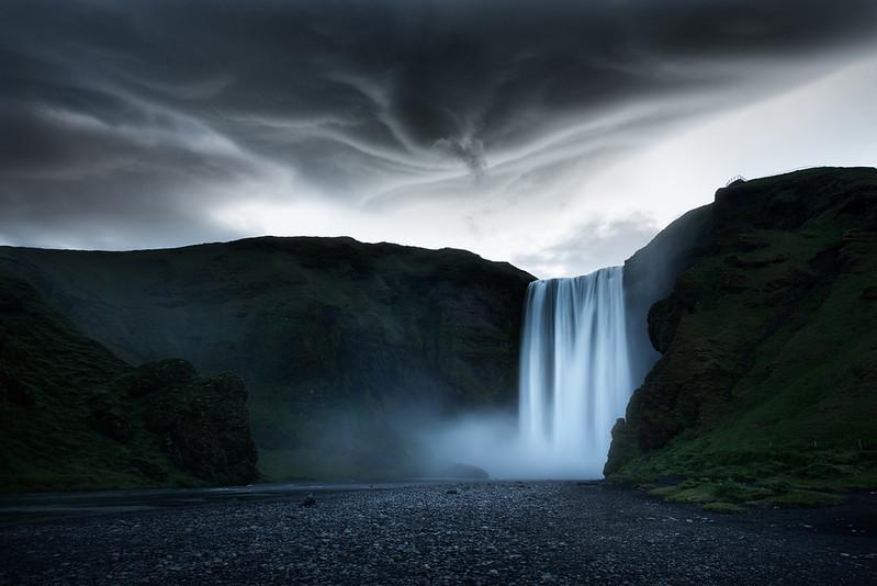 水云间 冰岛.jpg