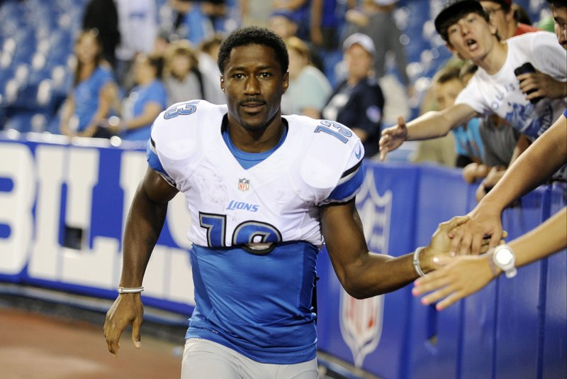 . <p><b> Bears at Lions (-3):</b>  <p>Lions receiver Nate Burleson suffered a broken arm in a car crash caused when he tried to keep pizzas from falling off his car seat. It was a huge shock, as Lions players usually only crash their cars while committing felonies. <p>Pick: <b>Lions by 7</b> <p>    (AP Photo/Gary Wiepert, File)