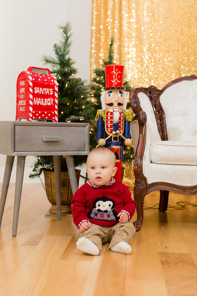 FADS Picture with Santa-158.jpg