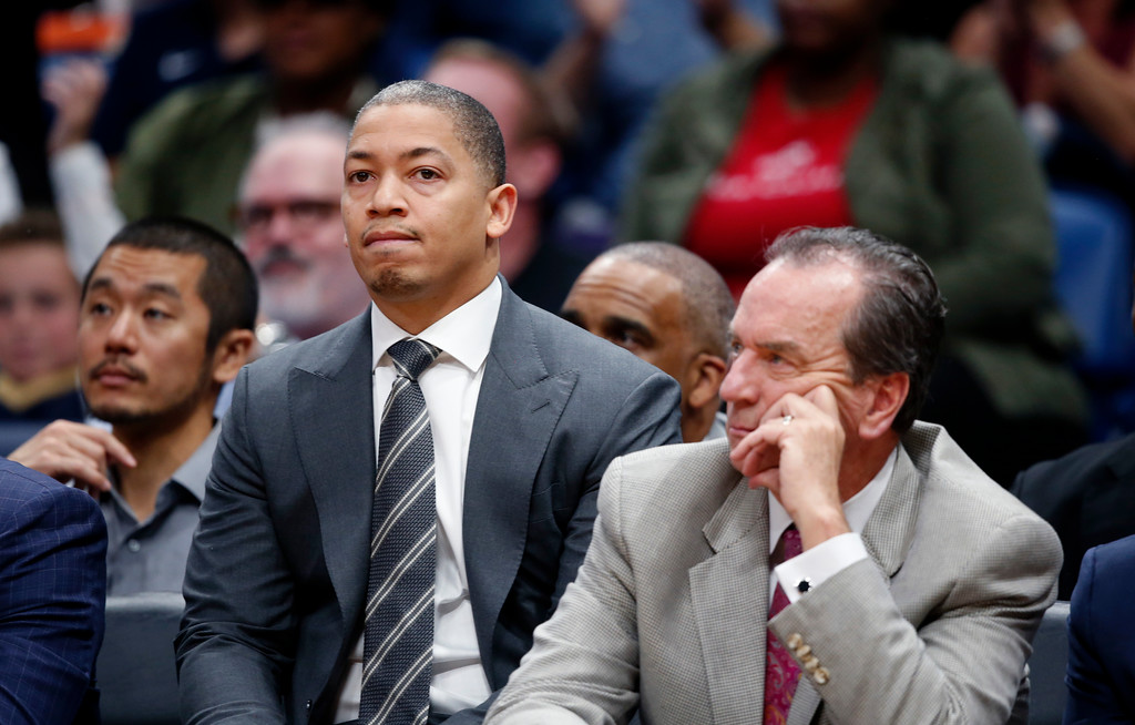 . Cleveland Cavaliers head coach Tyronn Lue, watches from the bench with assistant coach Jim Boylan, right, in the second half of an NBA basketball game in New Orleans, Saturday, Oct. 28, 2017. The Pelicans won 123-101. (AP Photo/Gerald Herbert)