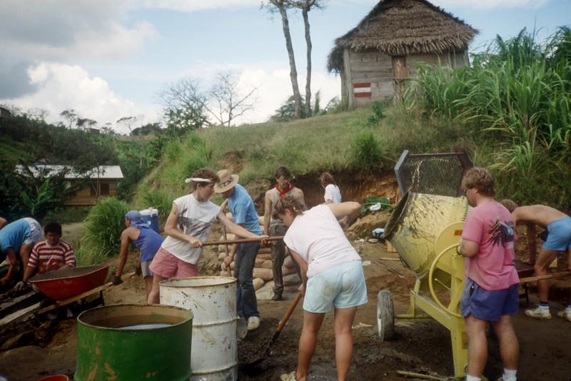 1989 Roatan Honduras Mission Trip-0010.jpg