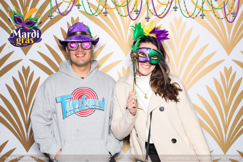 LOS GATOS DJ - The Bywater's Mardi Gras 2021 Photo Booth Photos (beads overlay) (6 of 29).jpg