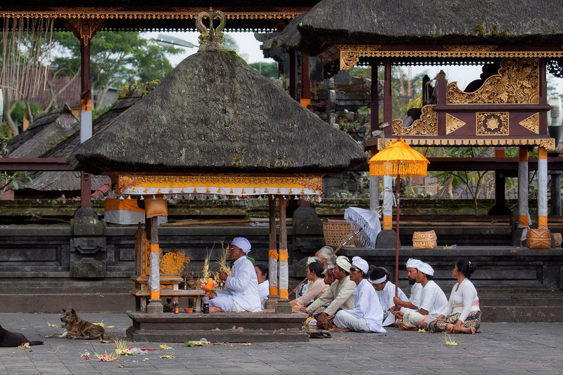 Ceremonies at Statue at Besakih Temple near Mt Agung