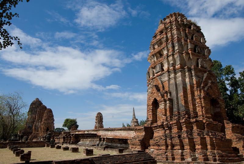 Wat Maha That 1 - Ayutthaya, Thailand.jpg