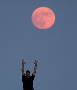 Moonrise over Jacobs Beach - Guilford - Jul09