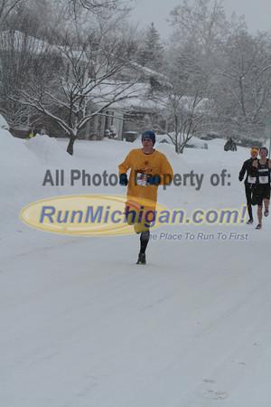 1 mile mark - 2014 Riverview Winterfest 4 Mile Run