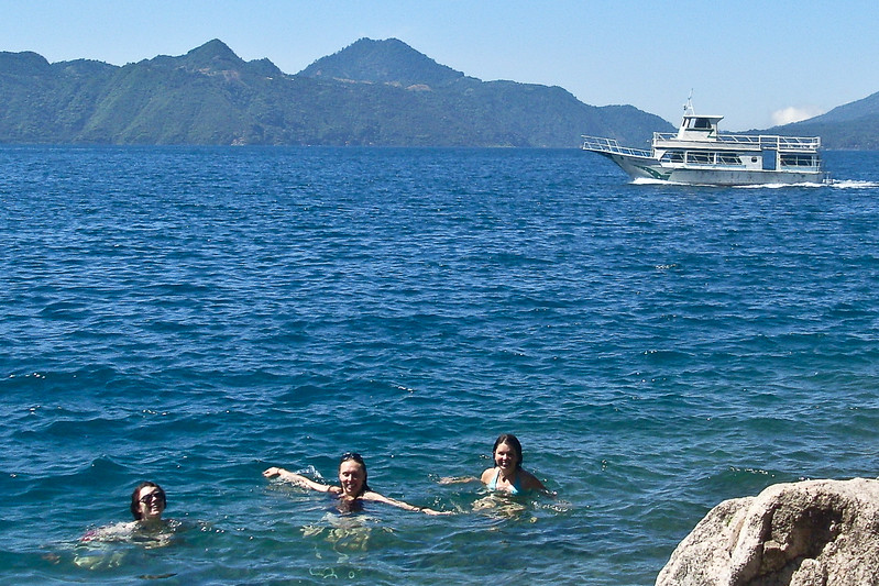 swimming-in-lake-atitlan_4603287648_o.jpg