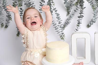 Tilly's 1st Birthday Cake Smash