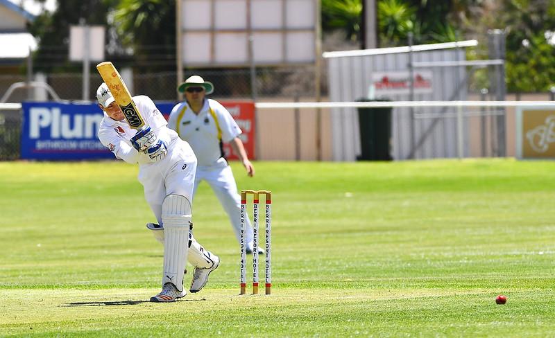 "T20 Comp ""A"" Grade Renmark North v Loxton (Ren North batting)"