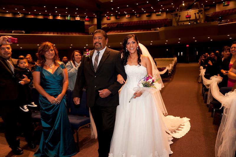 2011-11-11-Servante-Wedding-87.JPG