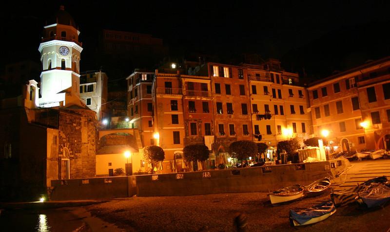 Vernazza at night.jpg