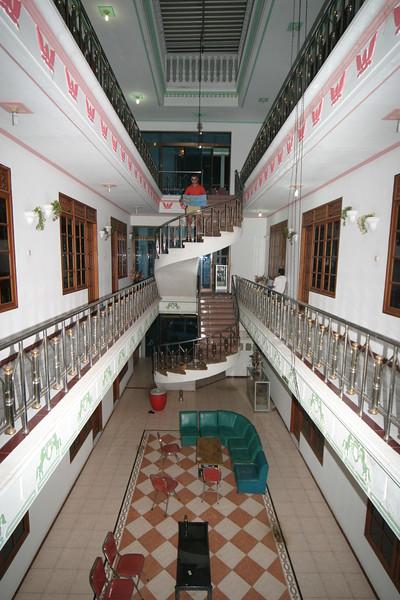 IN461-hotel Lambitu.JPG