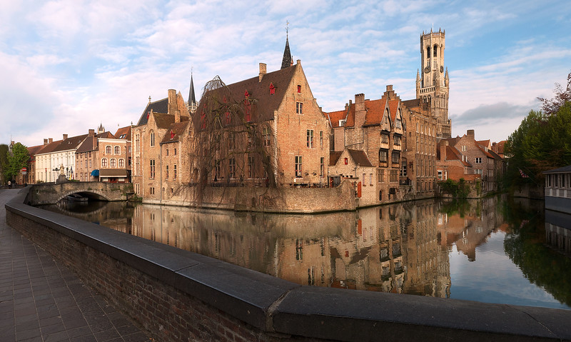 bruge morning reflection1.jpg
