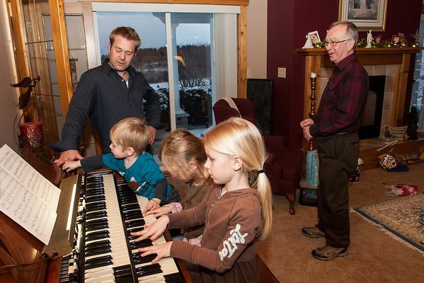 """Steffenhagen Clan Christmas """"2011"""""""