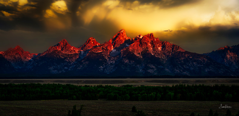 Tetons sunrise lg (1 of 1).jpg